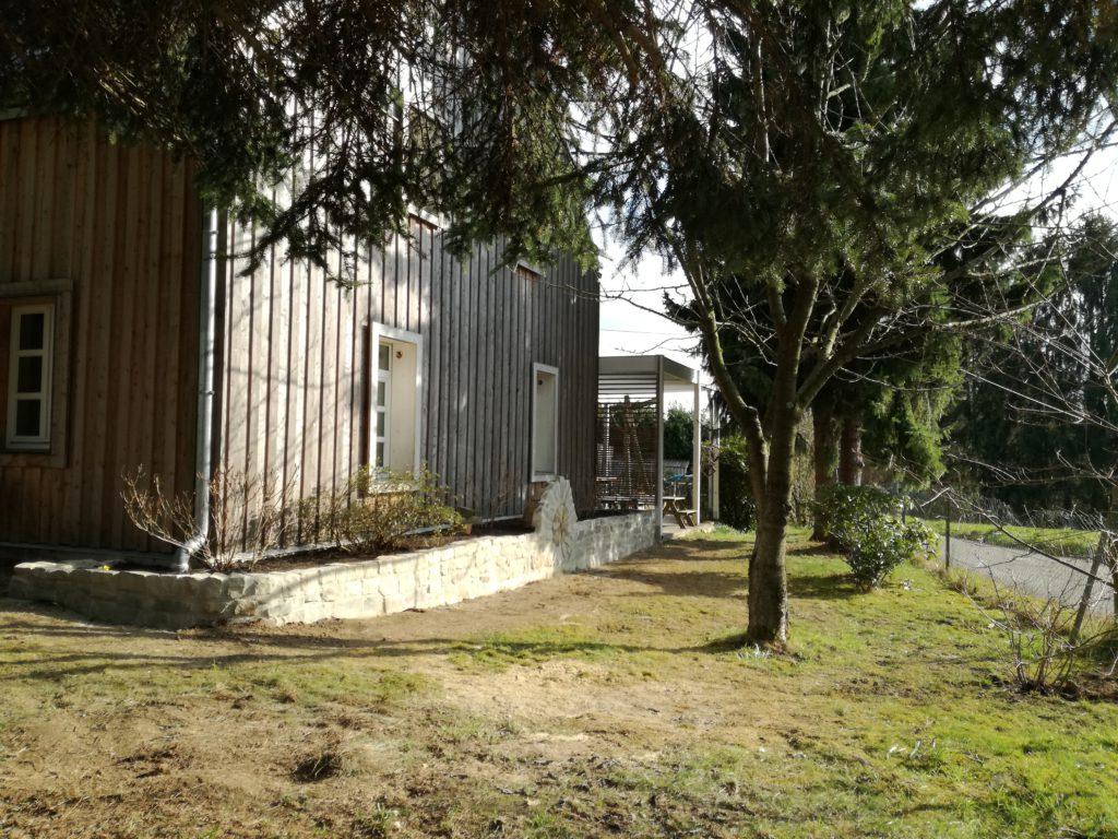 Zeit Wohnhaussanierung Leichlingen Westfassade Garten